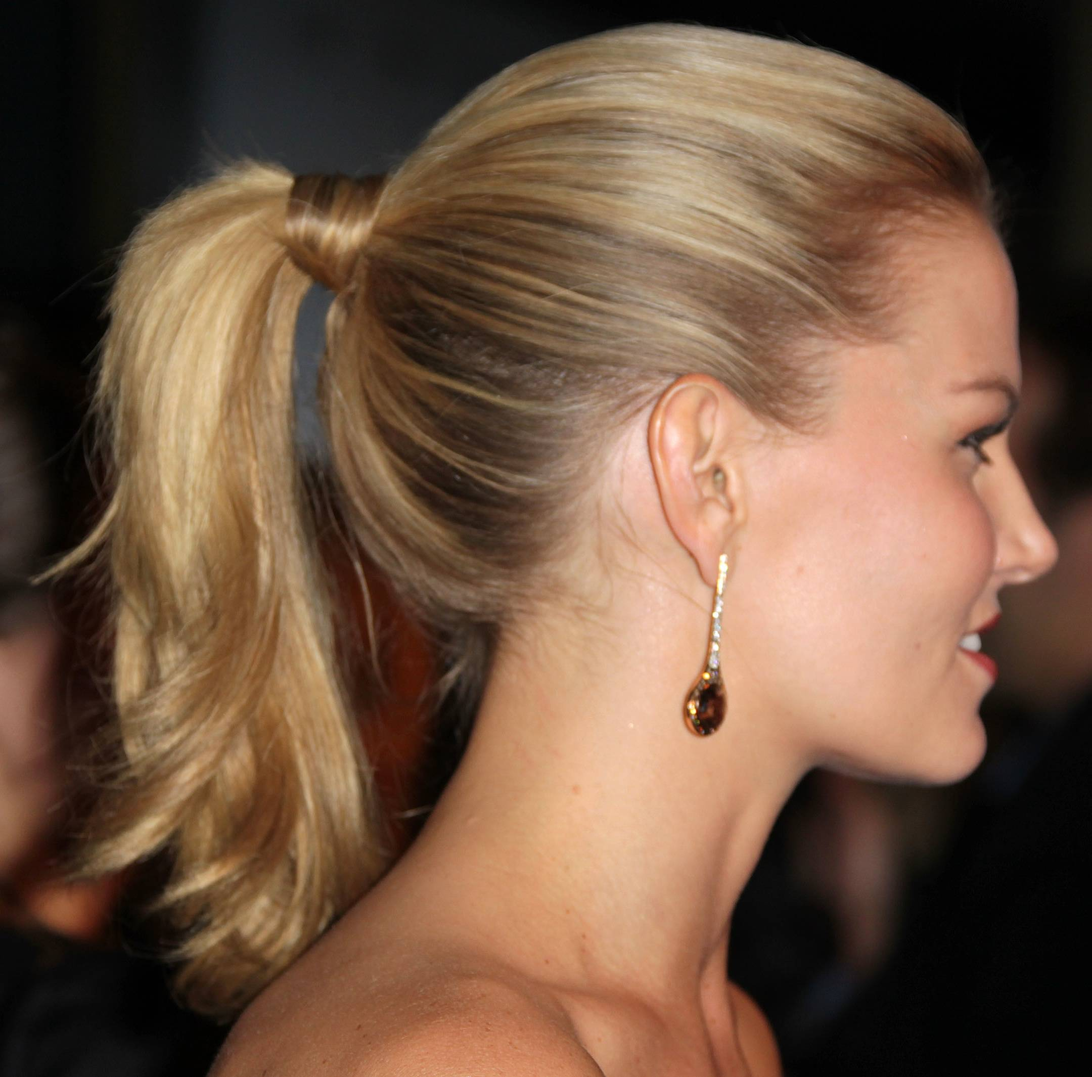 how to make a ponytail look good from the front